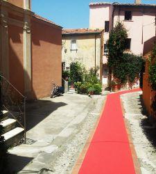 A proposito degli inutili tappeti rossi che stanno invadendo la Liguria