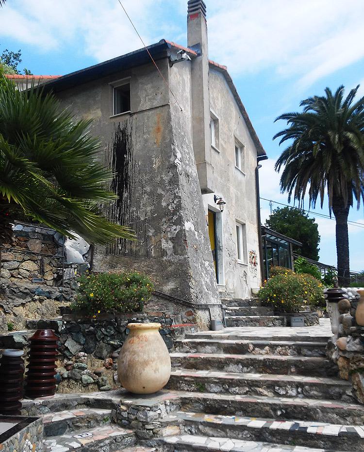 Casa Jorn ad Albissola Marina