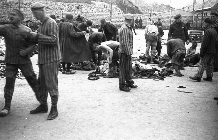 Autore ignoto, L'arrivo dei deportati a Mauthausen