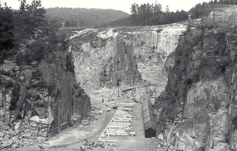 Autore ignoto, La cava di Mauthausen