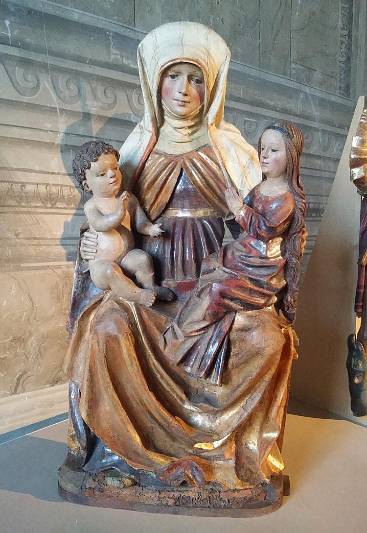 Bottega in Carinzia, probabilmente di Villach, Sant'Anna Metterza (1520 circa; legno di tiglio intagliato, policromato, dorato e argentato, 94,7 x 50,2 x 18 cm; Roma, Museo Nazionale del Palazzo di Venezia)