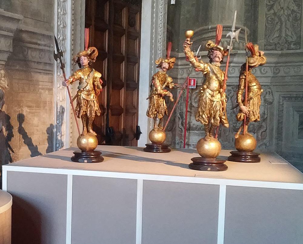 Le statuette dei lanzichenecchi