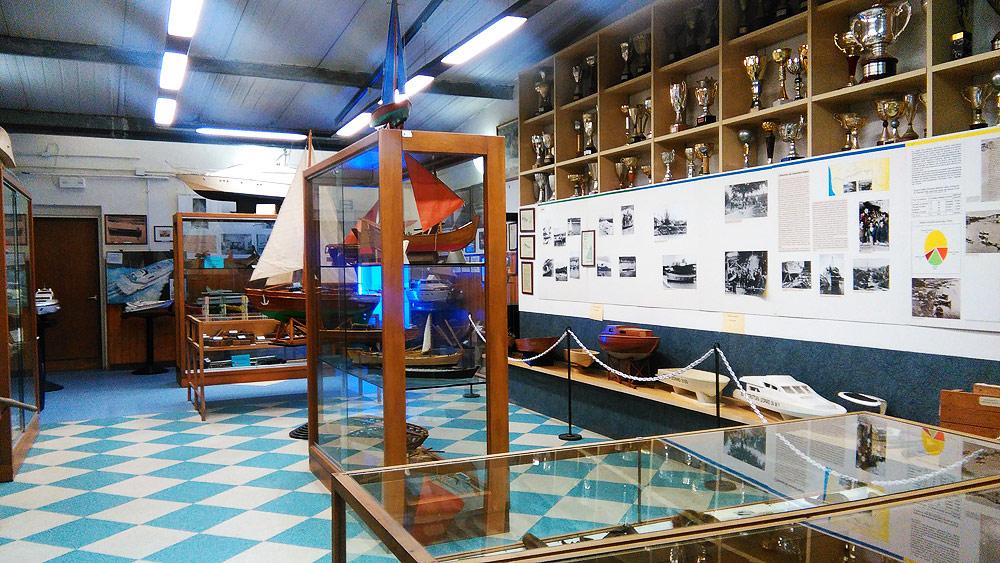 Una sala del Museo della Cantieristica e del Canottaggio di Limite sull'Arno