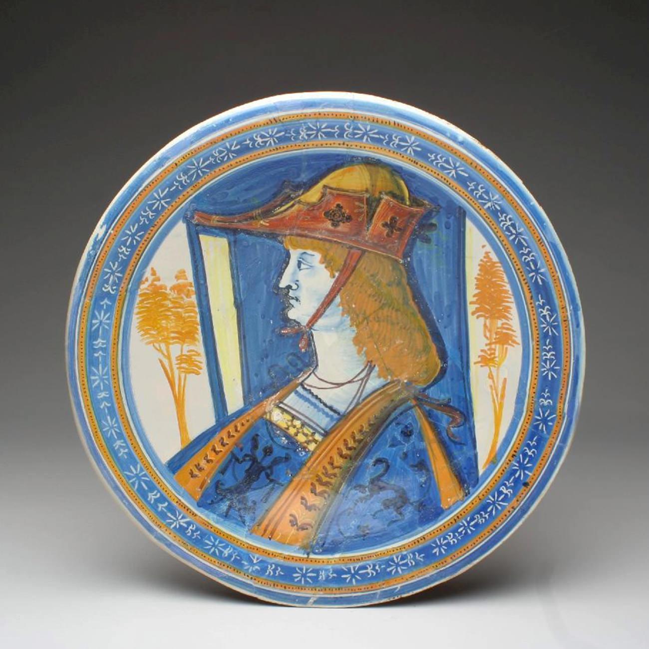 Piatto con fascia blu graffito (1510-1520 circa; maiolica; Montelupo Fiorentino, Museo della Ceramica)