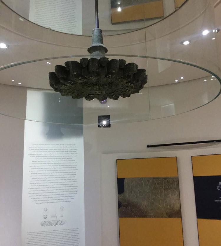 La sala del Lampadario Etrusco