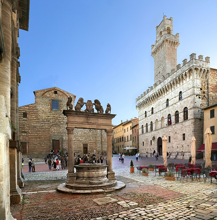 La piazza Grande di Montepulciano. Ph. Credit Francesco Bini