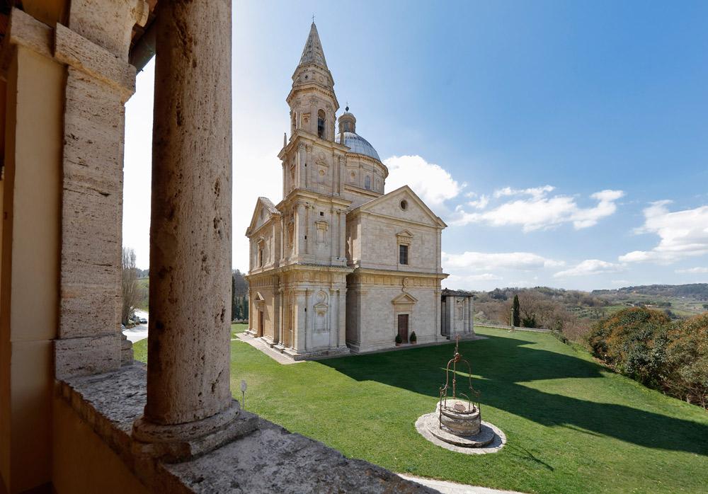 Veduta del tempio di San Biagio dalla canonica. Courtesy Opere Ecclesiastiche Riunite