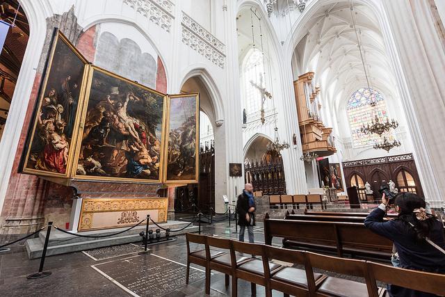 L'Innalzamento di Pieter Paul Rubens, una delle sue opere nella Cattedrale di Anversa