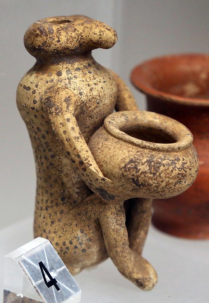 Manifattura etrusca, Balsamario a forma di scimmia