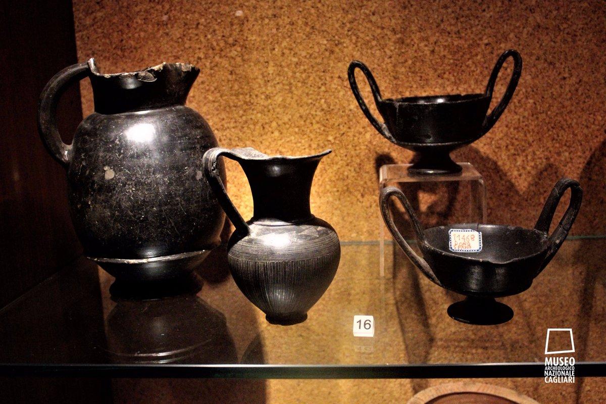 Buccheri etruschi esportati in Sardegna, conservati al Museo Archeologico Nazionale di Cagliari