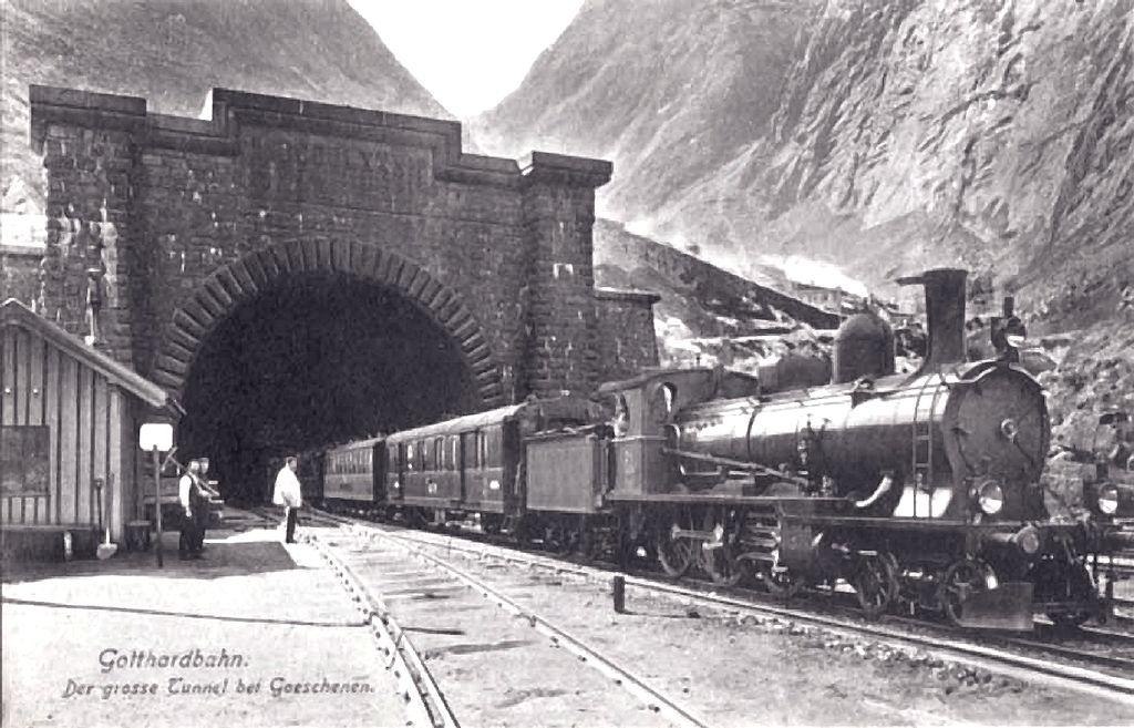 Foto storica dell'ingresso della Galleria del San Gottardo sul versante di Göschenen (1900 circa)