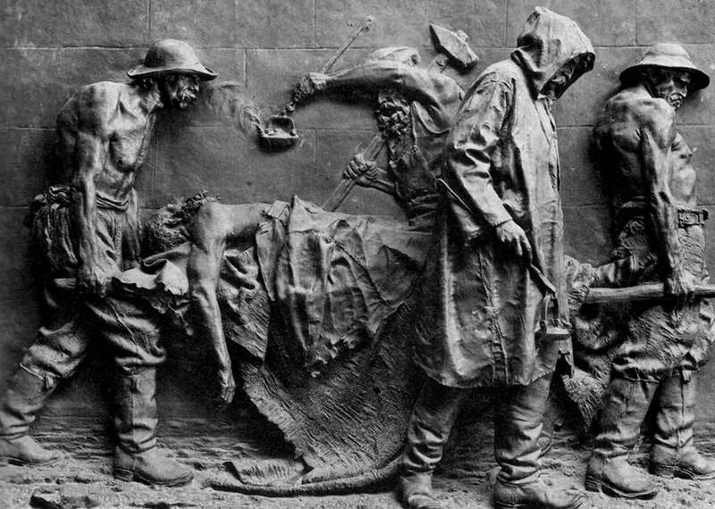 Vincenzo Vela, Monumento alle vittime del lavoro (1882, fusione del 1895; bronzo, 239 x 323 x 40 cm; Roma, Galleria Nazionale d'Arte Moderna e Contemporanea)