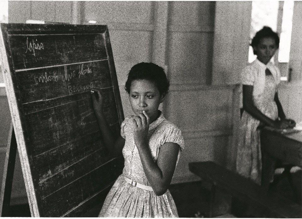 Fulvio Roiter, Scuola galleggiante in Amazzonia, 1957 © Fondazione Fulvio Roiter