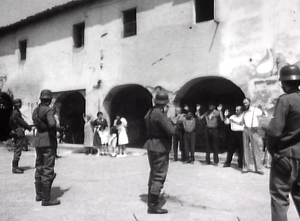 Fotogramma del film Padule, ricordo di una strage (Italia, 1986, B/N, 60'), interamente dedicato all'eccidio del Padule di Fucecchio