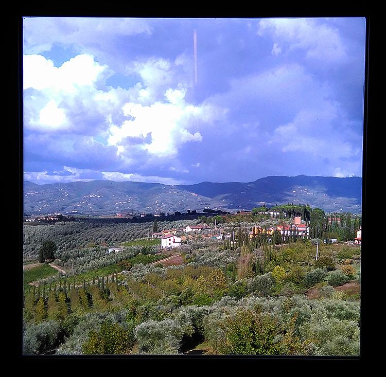 MuMeLoc, la vista sulle campagne di Cerreto Guidi da una delle finestre del museo