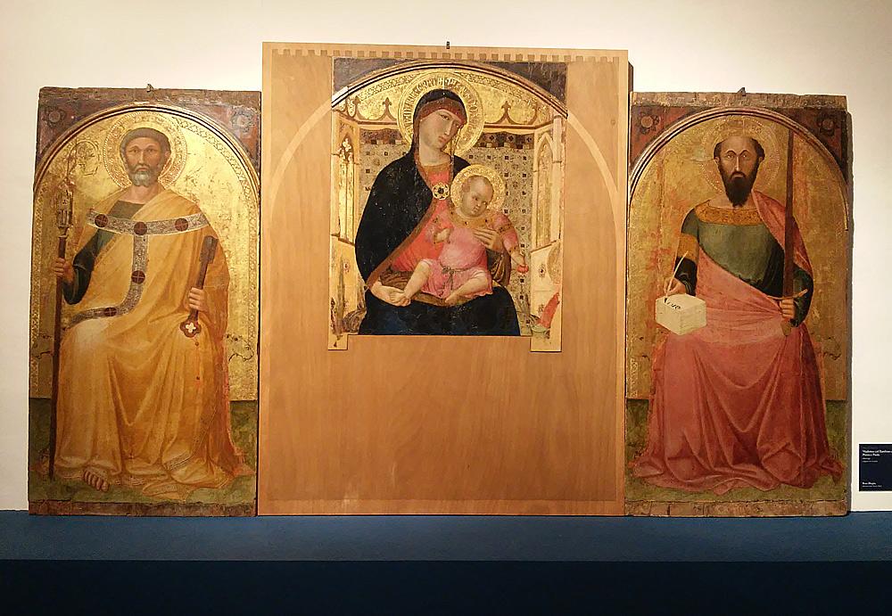 Ambrogio Lorenzetti, Madonna col Bambino e i santi Pietro e Paolo nota anche come Polittico di Roccalbegna (1340 circa; tempera e oro su tavola, 86 x 72 cm il pannello centrale, 133 x 71 cm i pannelli laterali; Roccalbegna, chiesa dei Santi Pietro e Paolo)