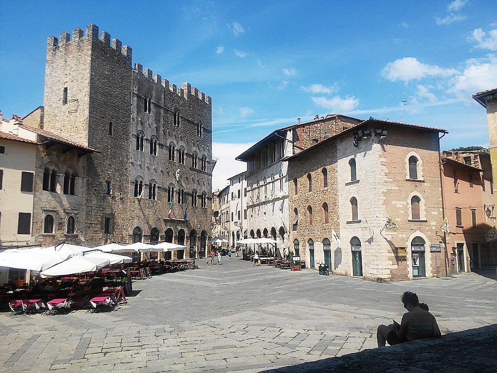Massa Marittima, Piazza del Duomo. Ph. Credit Finestre sull'Arte