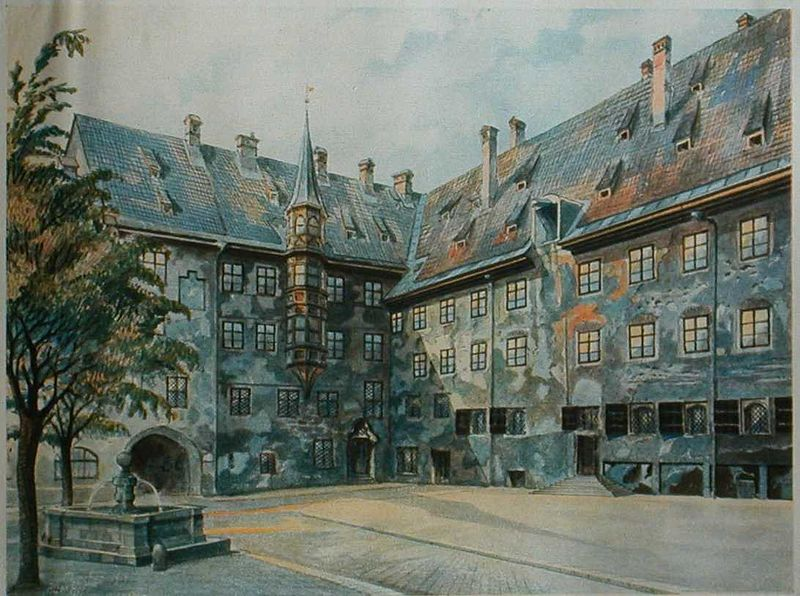 Adolf Hitler, Der alte Hof