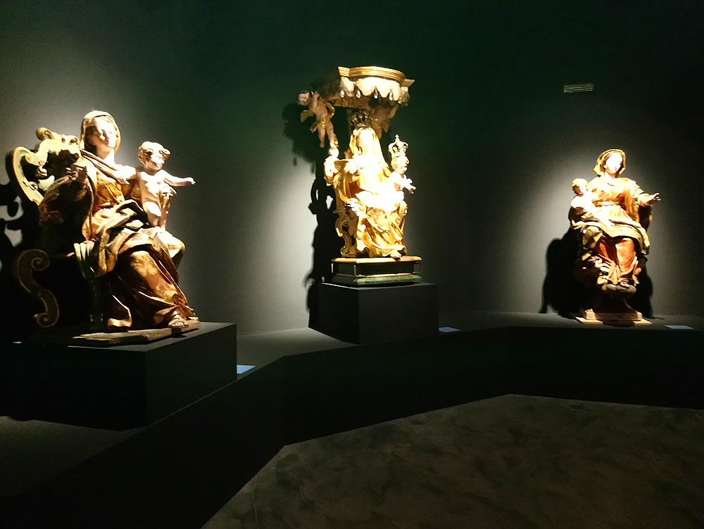 Immagini dalla mostra Maragliano 1664-1739. Lo spettacolo della scultura in legno a Genova