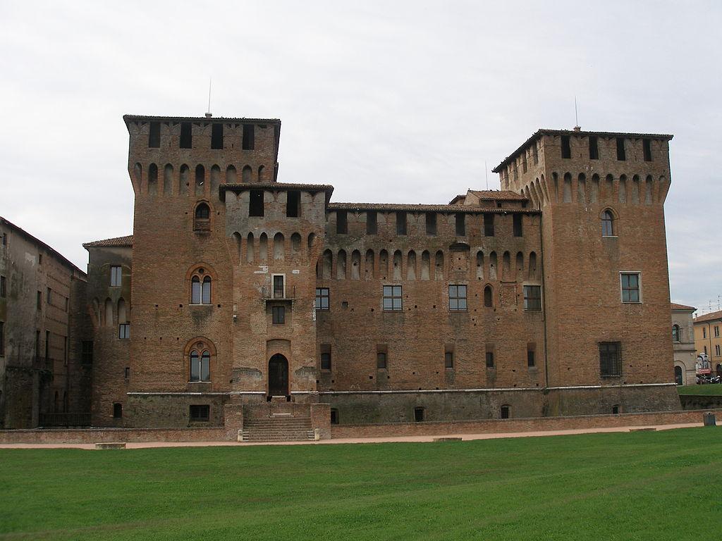 Realtà: Porta Imperiale (Sabbioneta) e Castello di San Giorgio (Mantova)