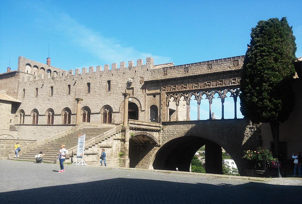 Realtà: il Palazzo dei Papi (Viterbo)