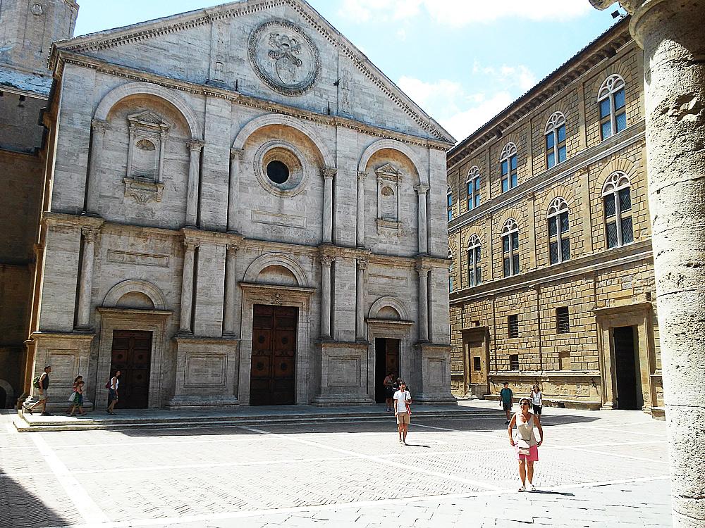 Realtà: Palazzo Piccolomini (Pienza)