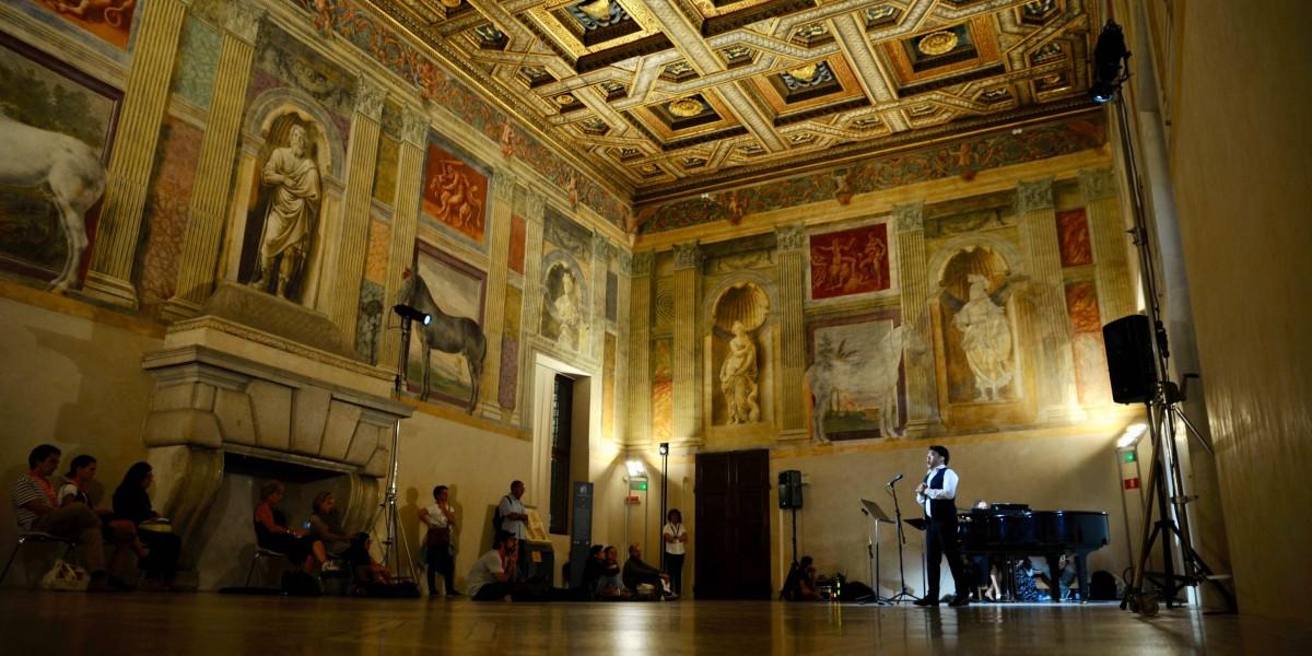 """sala cavalli palazzo te - """"I Medici"""": 15 location dove è stata girata la serie"""