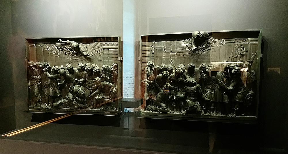 Jacopo Sansovino, Miracolo dello Schiavo e Conversione del signore di Provenza oppure Miracolo del soldato in Lombardia (entrambi 1541-1544; bronzo, 48,5 x 65,8 cm; Venezia, Basilica di San Marco)