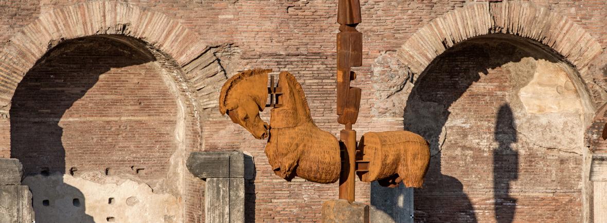 Lapidarium: ad Arezzo arrivano i cavalli di Gustavo Aceves