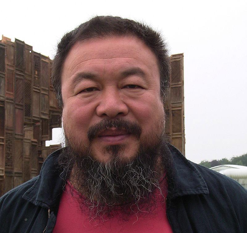 Ai Weiwei posta video su Instagram della demolizione del suo studio di Pechino: lo hanno fatto senza alcun preavviso