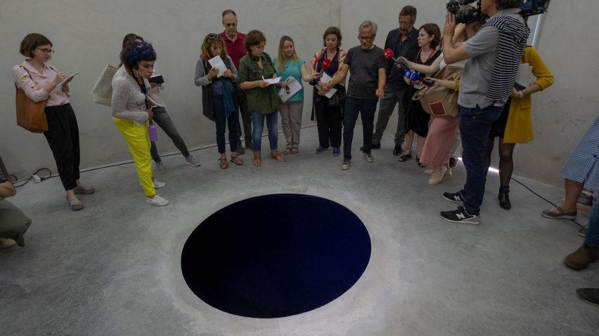 Un turista italiano è caduto in un'opera d'arte in Portogallo