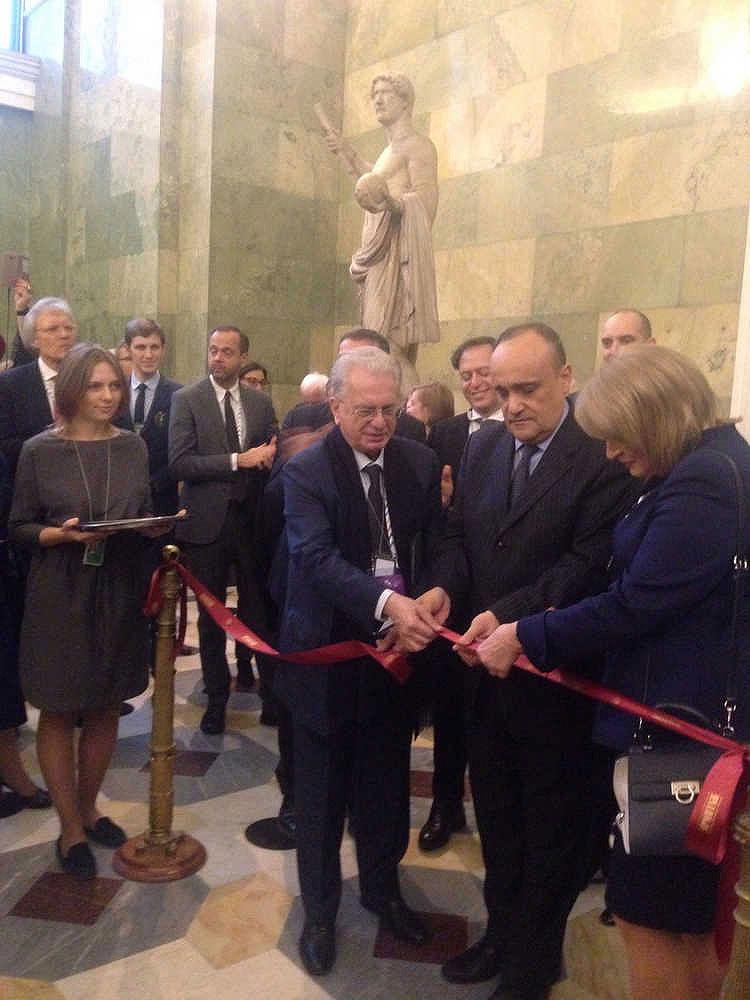 Bonisoli annuncia all'Hermitage una grande mostra dedicata a Pompei