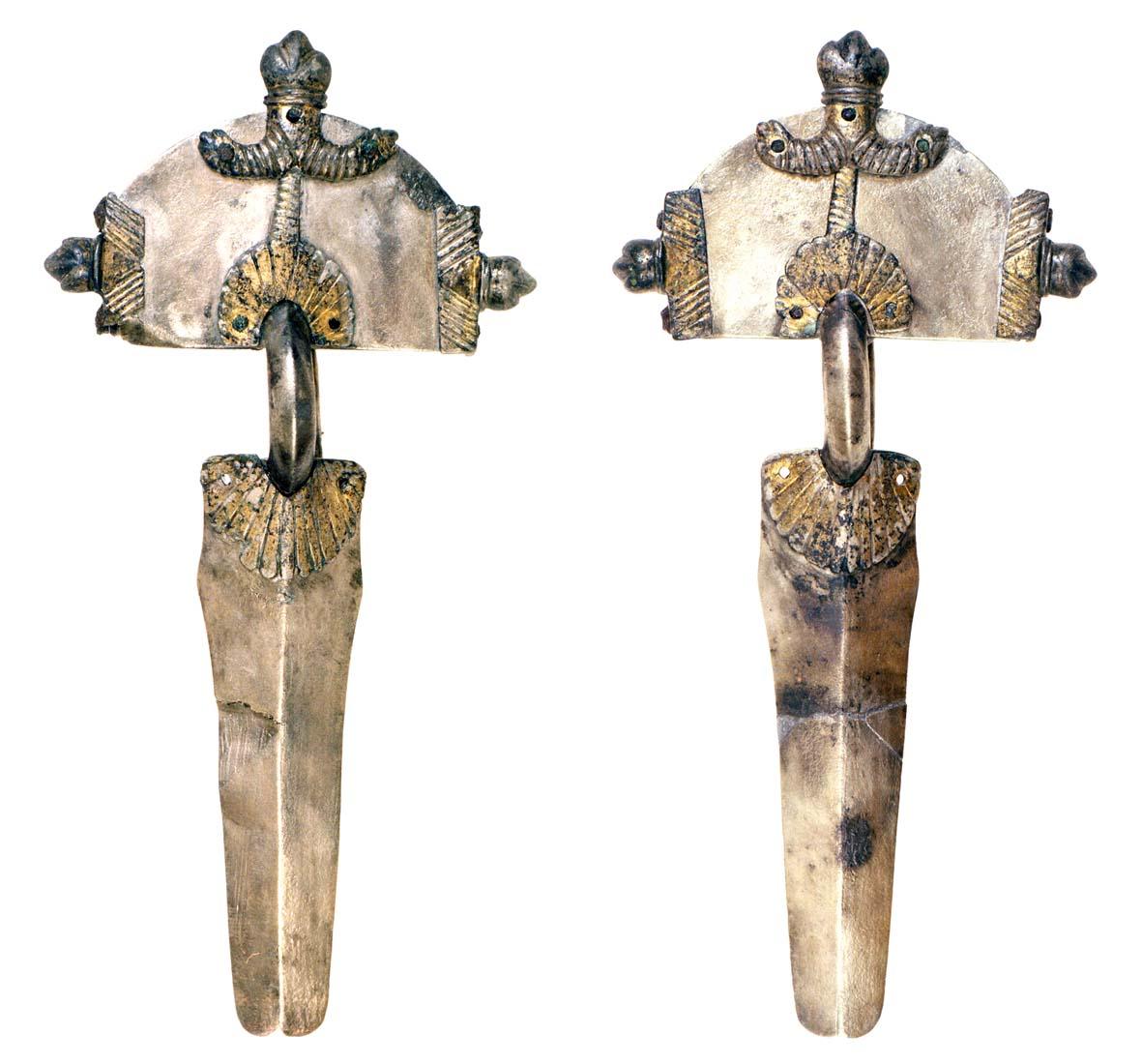 Fibule ad Arco, argento, con tracce di doratura, prima metà del V secolo.