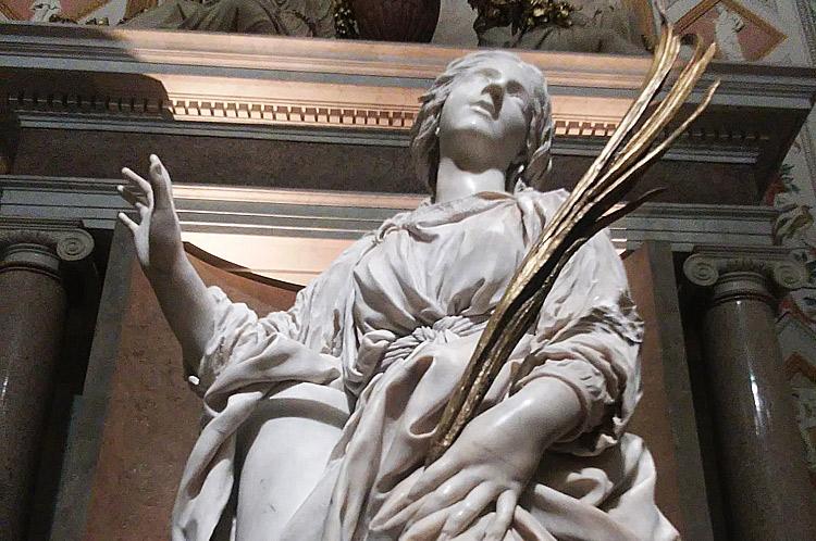 La Santa Bibiana di Bernini restaurata a velocità supersonica. Riposizionato il dito che si era staccato