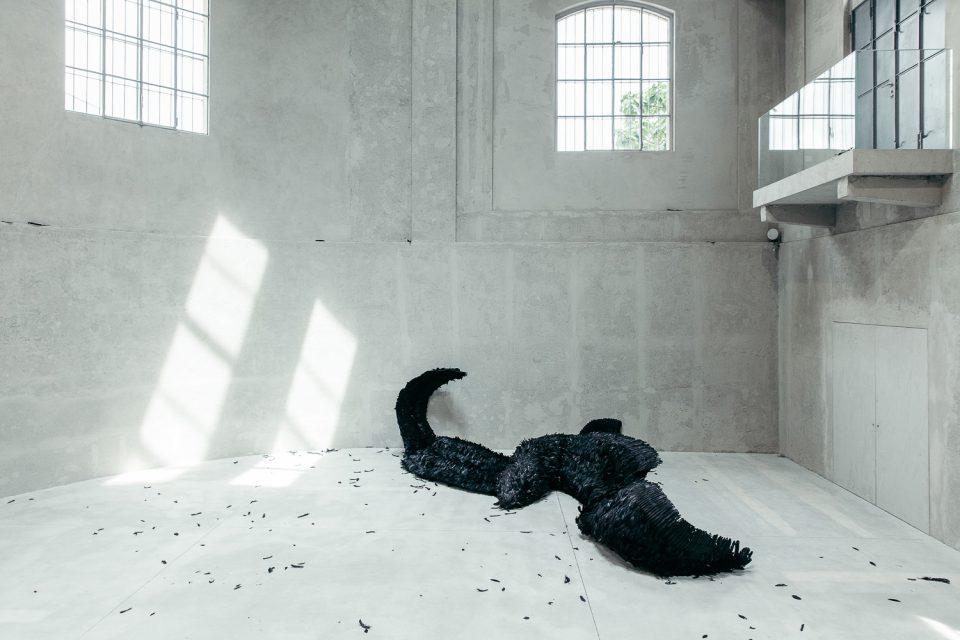 Laura Lima alla Fondazione Prada di Milano chiude il progetto Slight Agitation