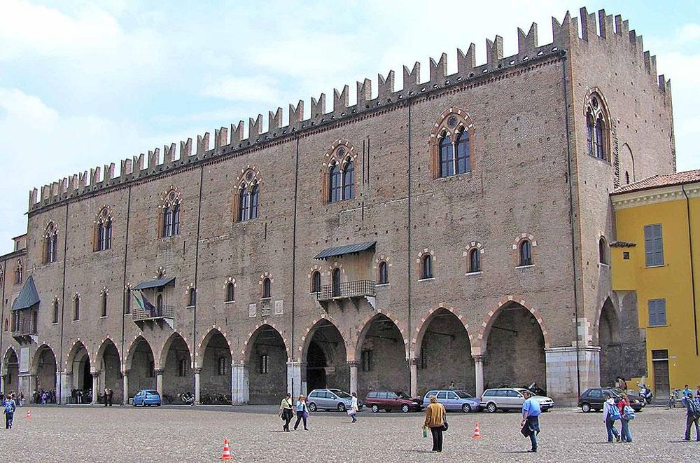 Mantova: mancano i custodi e Palazzo Ducale rimane chiuso