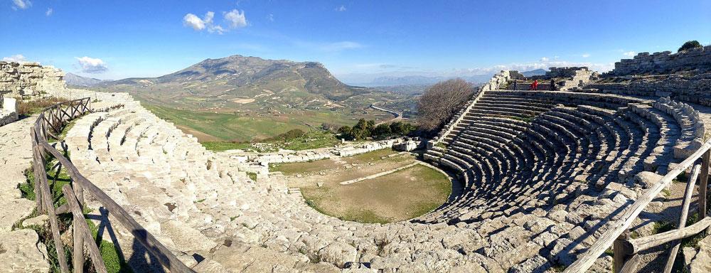Nasce il Parco Archeologico di Segesta. In Sicilia ne sono previsti altri diciassette