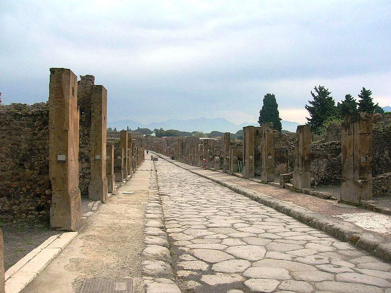 Pompei, vandali danneggiano affresco di Bacco e Arianna