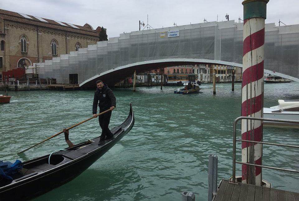 Termina il restauro del Ponte dell'Accademia di Venezia, ponteggi smontati in tempi record con operazione unica al mondo