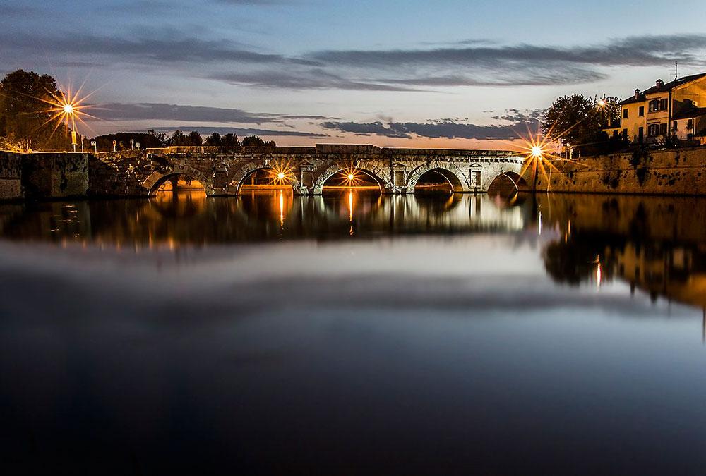 Una passerella sospesa per vedere da una nuova prospettiva il ponte di Tiberio a Rimini