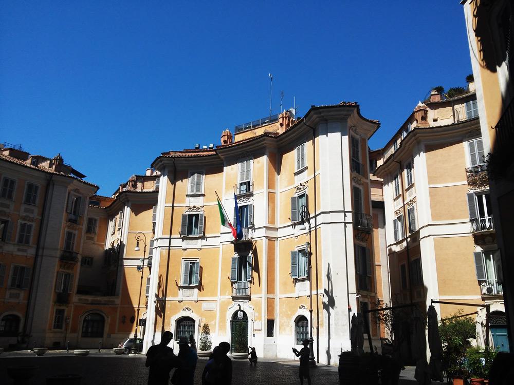 Imponente operazione dei Carabinieri: smantellata un'organizzazione internazionale di trafficanti di beni archeologici