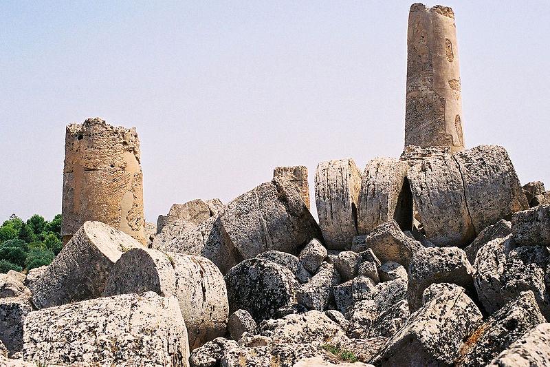 """Sgarbi annuncia: """"ricostruiremo il tempio G di Selinunte"""""""