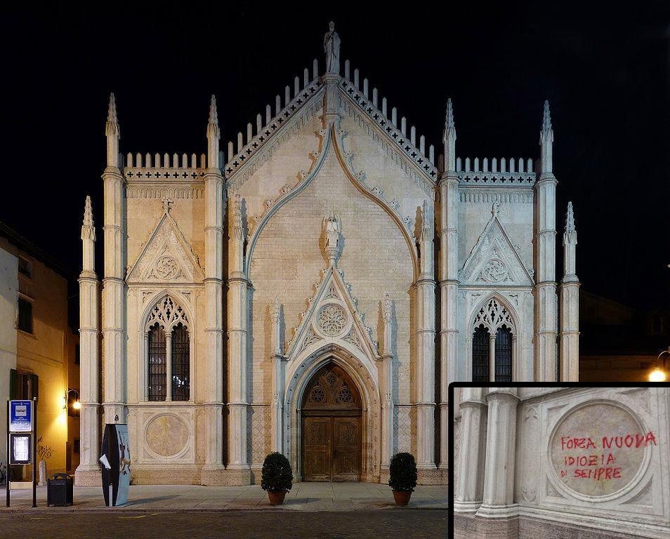 Trento, imbrattata la facciata neogotica della chiesa di San Pietro