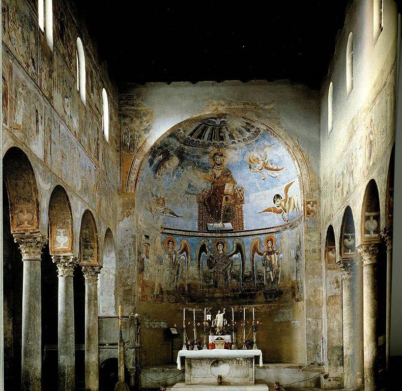 La basilica di Sant'Angelo in Formis è in grave sofferenza, e il Touring Club lancia un appello per salvarla