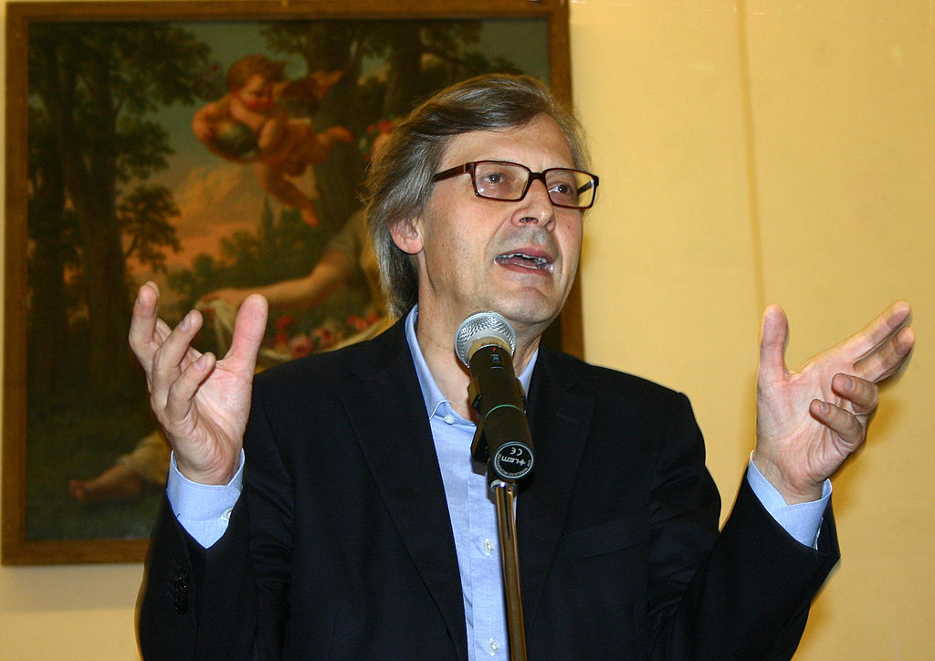 Ricettazione e commercio di opere d'arte false, tra gli indagati anche Vittorio Sgarbi