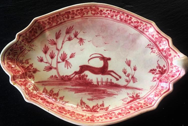 Savona, una mostra diffusa racconta le storie della ceramica