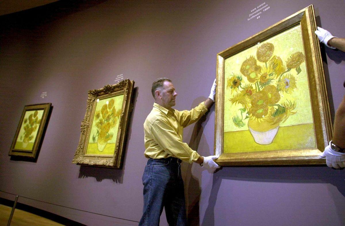 I Girasoli di van Gogh si stanno scolorendo. A rischio il grande capolavoro