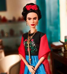 Vietata la vendita della bambola Barbie con le fattezze di Frida Kahlo in Messico