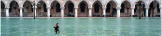 Fulvio Roiter: il fantastico di ogni luogo in mostra a Venezia