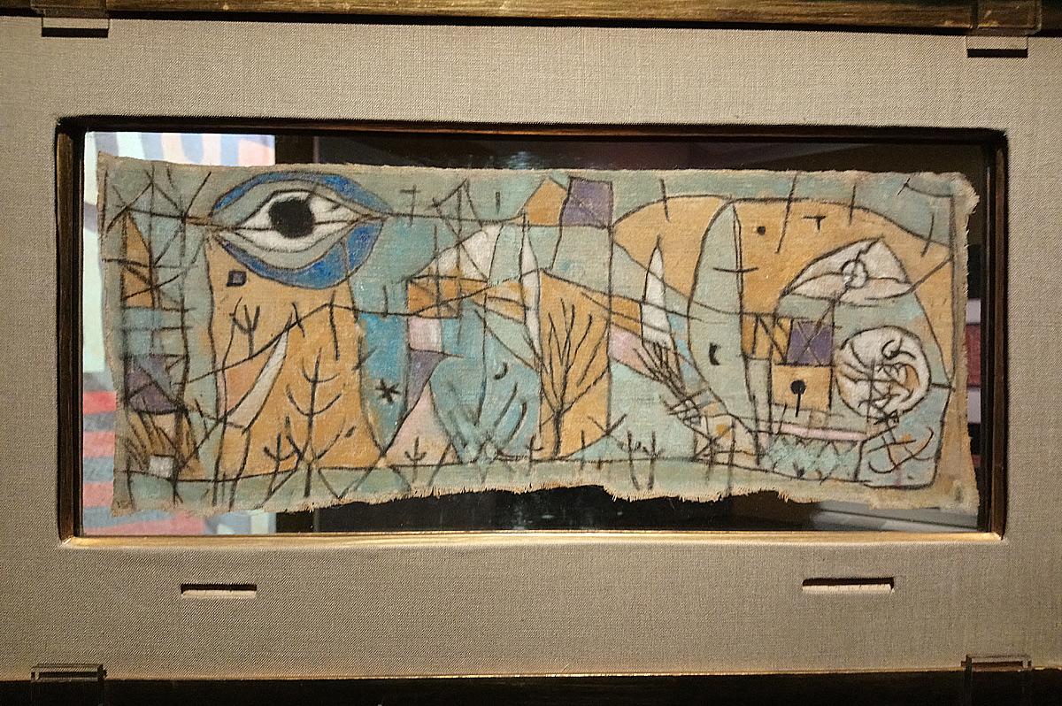 Paul Klee, Getrübtes, Turbato (Confuso), recto (1934; tempera e carboncino su tela senza telaio dipinta su due facce, 17,7 × 43,3cm; Torino, Gam – Galleria Civica d'Arte Moderna e Contemporanea)